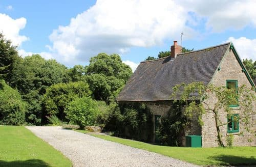 Last Minute Cottages - Dovedale Lodge, Blore, Ashbourne