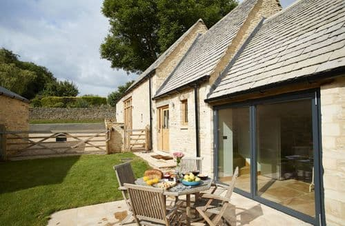 Last Minute Cottages - Gorgeous Ablington Cottage S84339