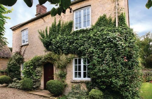 Last Minute Cottages - Wonderful Asthall Cottage S45144