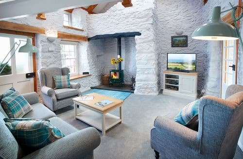 Last Minute Cottages - Quaint Dinas Cottage S59190