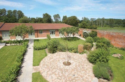Last Minute Cottages - Apple Tree Cottage, Little Walsingham