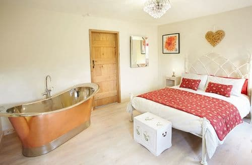 Last Minute Cottages - Cosy Castle Tump Cottage S41544
