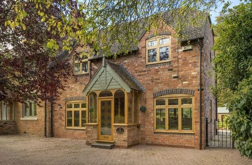 Last Minute Cottages - 2 The School House , Dorsington, Stratford-upon-Avon