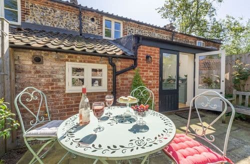 Last Minute Cottages - Bridge Cottage (Norfolk), Aylsham