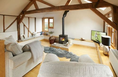Last Minute Cottages - Barn at Cullis Croft, Ludlow