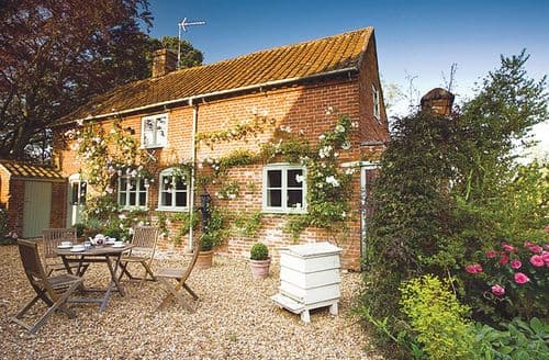 Last Minute Cottages - Cosy Foulsham Cottage S85821