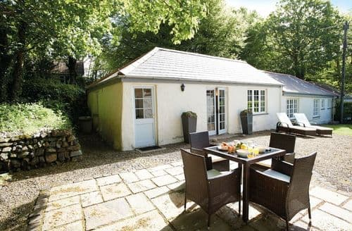 Last Minute Cottages - Spring Water Barn, Helston