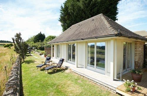 Last Minute Cottages - Quaint Idbury Cottage S85371