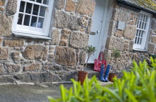 Last Minute Cottages - Beautiful Mousehole Cottage S81415