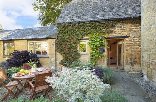 Last Minute Cottages - Tasteful Stanton Cottage S41632
