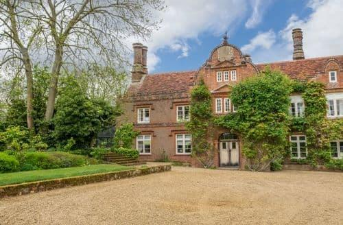 Last Minute Cottages - Witnesham Hall, Witnesham, nr Woodbridge