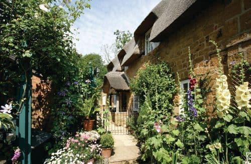 Last Minute Cottages - Inviting Ilmington Cottage S41808
