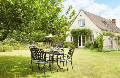 Last Minute Cottages - Tasteful Bourton On The Water Cottage S41701