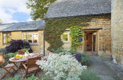 Last Minute Cottages - Charming Stanton Cottage S44627
