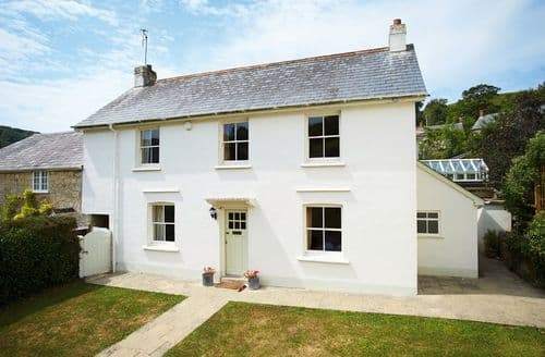 Last Minute Cottages - Cosy Branscombe Cottage S44849