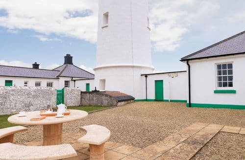Last Minute Cottages - Ariel, Nash Point Lighthouse, Marcross, Llantwit Major