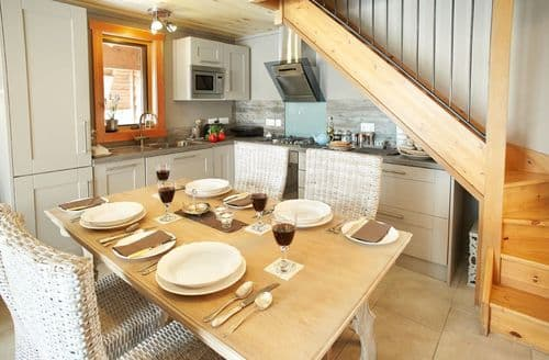 Last Minute Cottages - Inviting Rosehall Cottage S43587