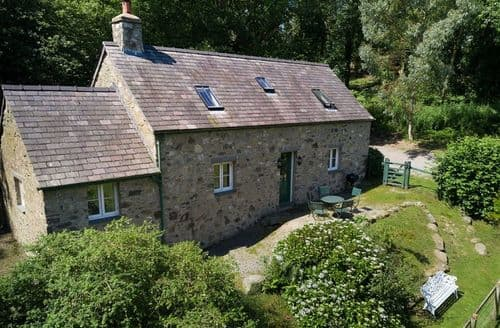 Big Cottages - Gorgeous Tal Y Cafn Cottage S41857