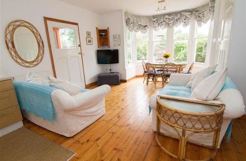Last Minute Cottages - Beautiful Heacham Apartment S71232