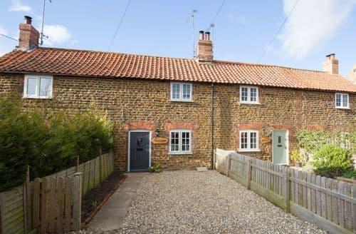 Last Minute Cottages - Luxury Heacham Cottage S78017