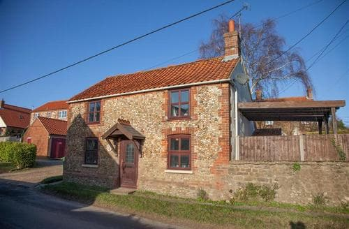Last Minute Cottages - Cosy Sedgeford Cottage S71121