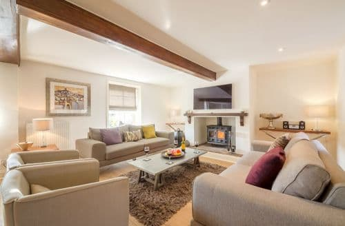 Last Minute Cottages - Correos House