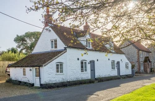 Last Minute Cottages - Inviting Thornham Cottage S71110