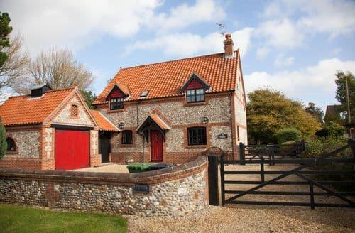 Last Minute Cottages - Charming Thornham Cottage S71352