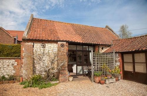 Last Minute Cottages - Wonderful Holme Cottage S71130