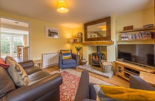 Last Minute Cottages - Superb Holt Cottage S94960