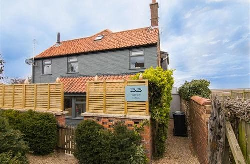Last Minute Cottages - Stunning Brancaster Staithe Cottage S71174