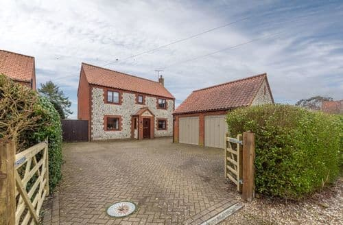 Last Minute Cottages - Exquisite Holme Cottage S71260
