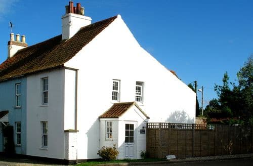Last Minute Cottages - Samphire Cottage