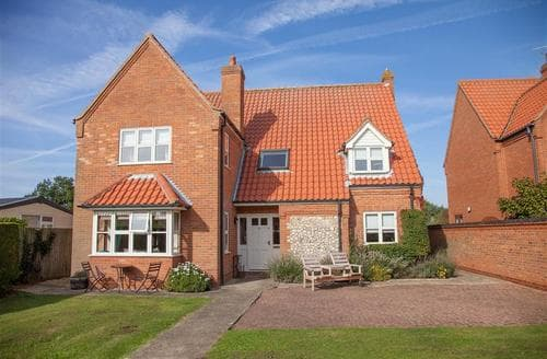 Last Minute Cottages - Captivating Thornham Cottage S71068
