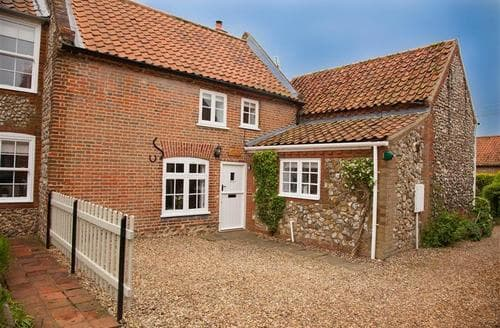Last Minute Cottages - Sexton's Yard Cottage