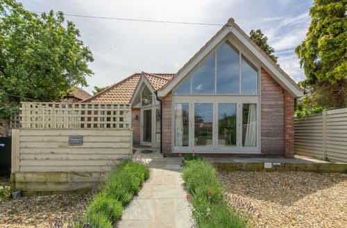 Last Minute Cottages - Beautiful Blakeney Cottage S101077