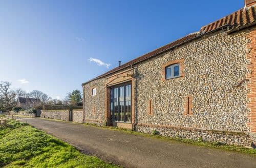 Last Minute Cottages - Captivating Burnham Thorpe Cottage S71227