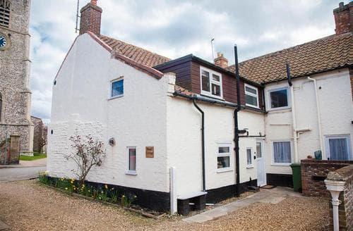 Last Minute Cottages - Gorgeous Great Walsingham Cottage S71256