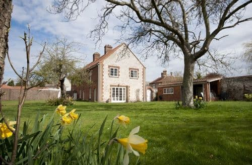 Last Minute Cottages - Inviting Thornham Cottage S96965