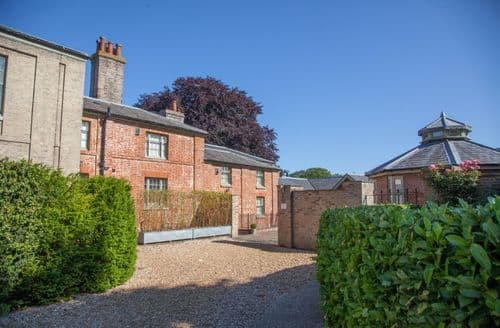 Last Minute Cottages - Luxury Little Walsingham Cottage S71095