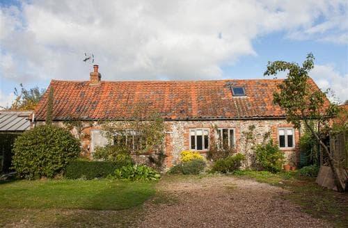 Last Minute Cottages - Superb Binham Cottage S75477