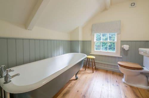Last Minute Cottages - Bear's Cottage