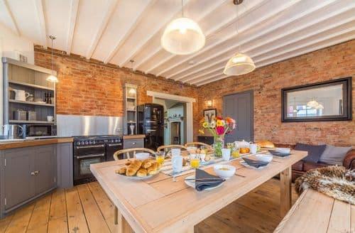 Last Minute Cottages - Quaint Heacham Cottage S93802