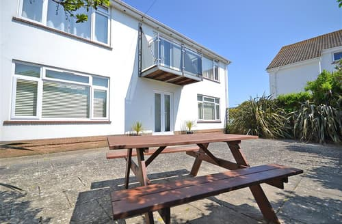 Last Minute Cottages - Lovely Milford On Sea Apartment S101907