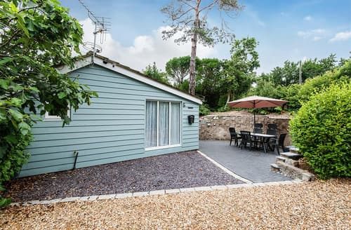 Last Minute Cottages - Excellent Milford On Sea Lodge S102078