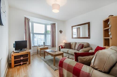 Last Minute Cottages - Luxury Dorset Lyme Regis Apartment S102434