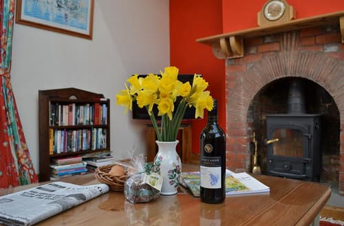 Last Minute Cottages - Captivating Pilley Cottage S102152