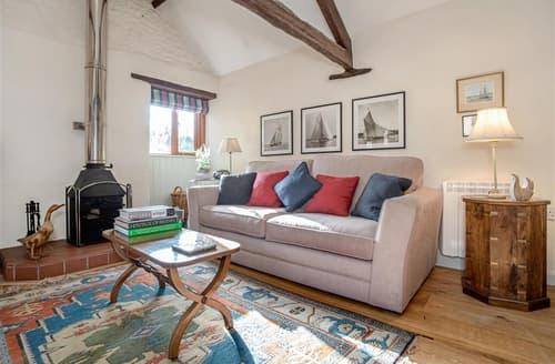 Last Minute Cottages - Delightful East Devon Colyton Apartment S101762