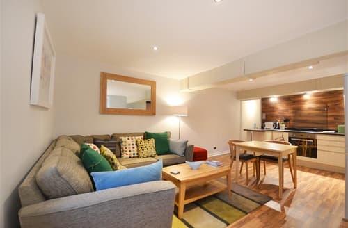 Last Minute Cottages - Apartment 1, Buller House