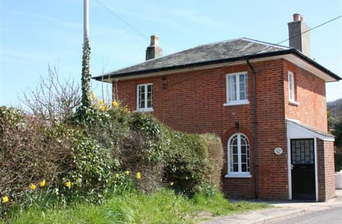 Last Minute Cottages - Toll House